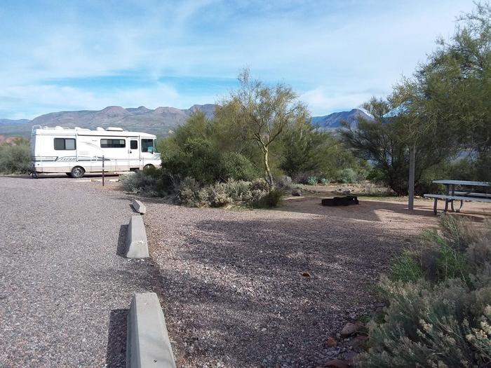 Site 174 parking
