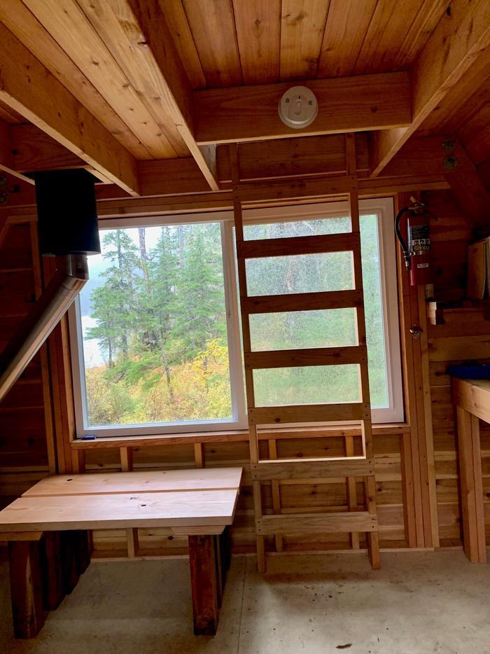 Goose Bay Cabin - Ladder to loftLadder to loft