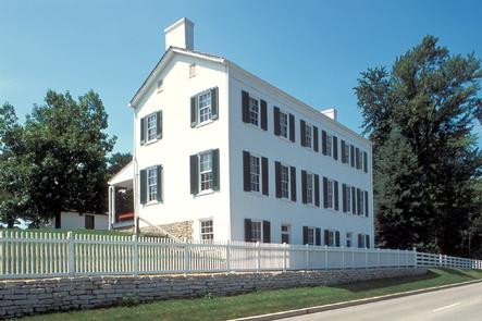 Huddleston Farmhouse Inn Museum