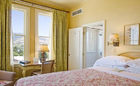 Historic AccommodationsAshland Springs boasts 70 tastefully decorated, non-smoking rooms.