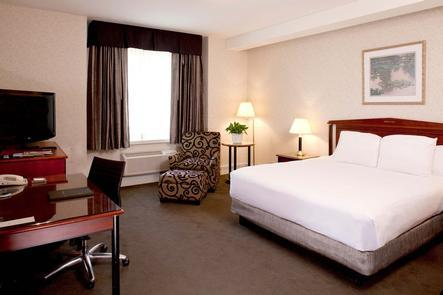 Deluxe King Guest RoomsThis Historic Hotel of America offers 561 guestrooms and suites to its visitors.