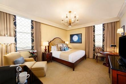 Luxury and Comfort Guests to the Jefferson Hotel have options ranging from a superior queen room to the Jefferson suite: but every guestroom is luxurious and decorated with history and style in mind.