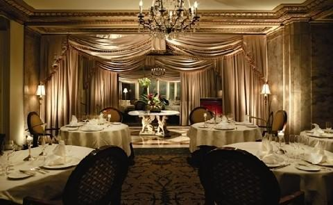 Dining in MemphisDining at the Peabody is always an experience, with several options to choose from including the casual Peabody Deli & Desserts through the fine dining found at Chez Philippe.