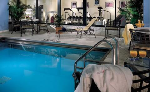Activities in the CityGuests have access to amenities inside the hotel including a swimming pool and health club.