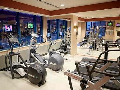 Fit at the CincinnatianGuests have the entirety of the city at the fingertips thanks to the downtown location of this hotel, but fitness buffs can also take advantage of the full-service facility.