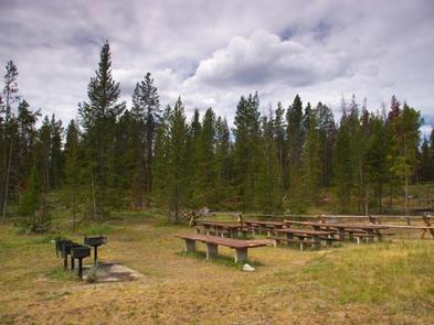 New Fork Lake Group Campgroundtables and grills available in group site