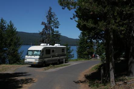 Diamond Lake Campground campsites for RVs and trailersDiamond Lake Campground