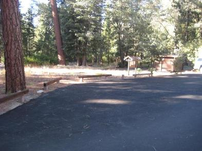 Roadway Leading to Hanna Flat Campground