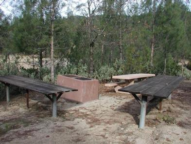 Preview photo of Whiskey Creek Group Picnic Area (Whiskeytown Nra)