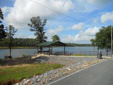 De Queen Lake Pine Ridge Park Pavilion