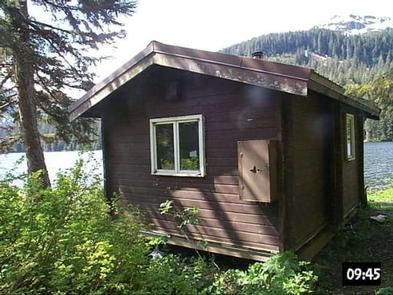 YOUNG LAKE (SOUTH) CABIN