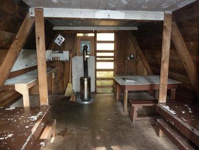 PYBUS BAY CABIN interior oil stoveoil stove