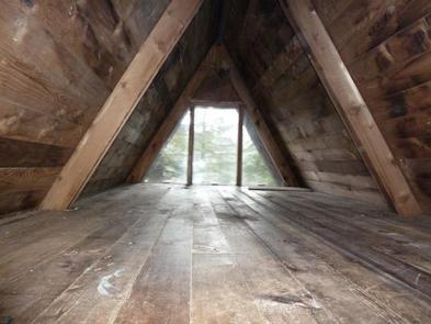 PYBUS BAY CABIN interiorloft