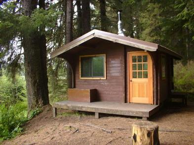 ADMIRALTY COVE CABIN