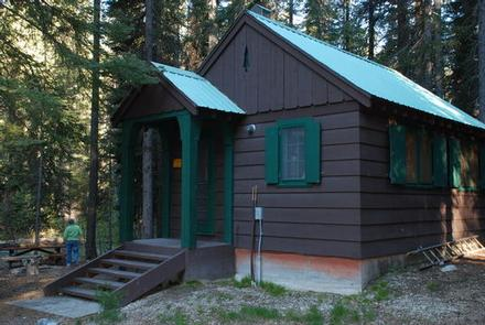 Preview photo of Cottonwood Cabin