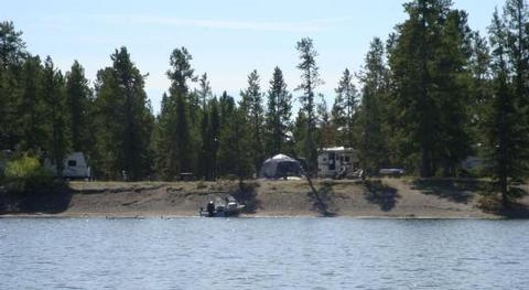 LONESOMEHURST CAMPGROUND - Hebgen Lake, boat, RV's and tentLonesomehurst Campground