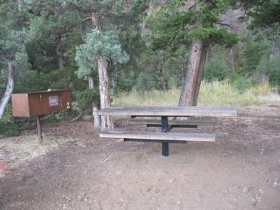 CLEARWATER CAMPGROUND SITEPicnic table