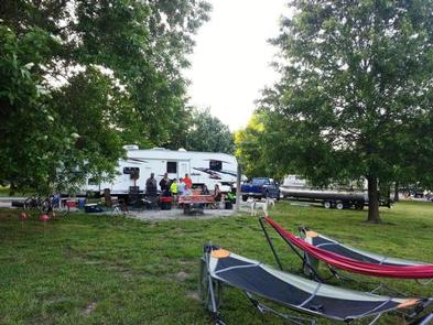 Nc campgrounds with full hookups in missouri