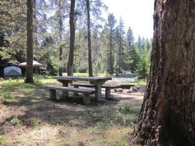 HELLS CROSSING CAMPGROUND