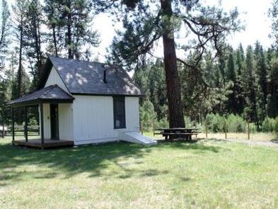 Murderers Creek Guard Station - Side ViewSide view