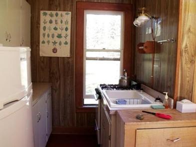 Murderers Creek Guard Station - Kitchen NookKitchen nook