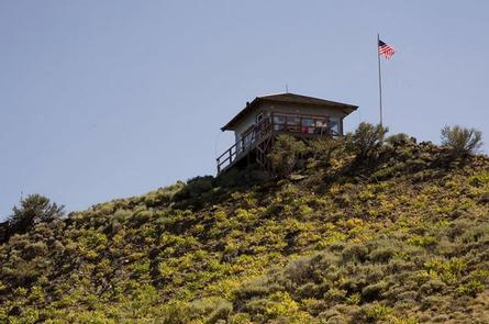 HAGER MOUNTAIN LOOKOUT EXTERIOR 3