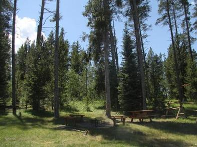 CARIBOU MOUNTAIN GUARD STATIONFire Ring/Picnic Area
