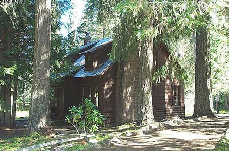 CLACKAMAS LAKE HISTORIC CABIN