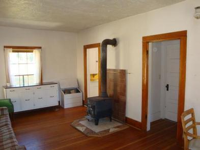 Yellowjacket Guard Station Living RoomYellowjacket Guard Station Livingroom