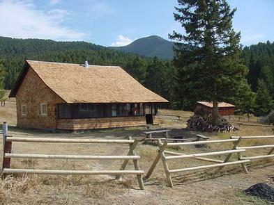 Preview photo of Porcupine Cabin