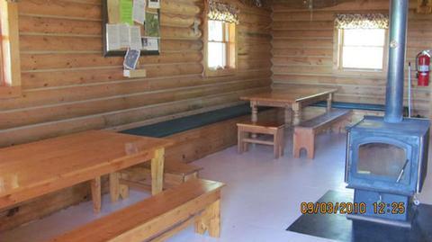 GORDON REESE CABINMain floor seating