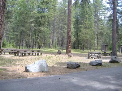 Yaak River Day Use Area Picnic Area