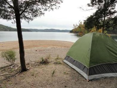 DALE HOLLOW LAKE - PRIMITIVE CAMPING TENTDALE HOLLOW LAKE - PRIMITIVE CAMPING
