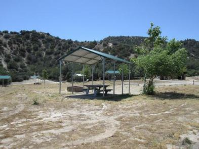 PYRAMID LAKE - LOS ALAMOS CAMPGROUND