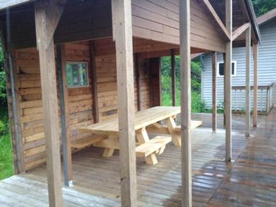 DEEP BAY CABIN covered porch