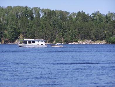 Houseboat on Namakan District