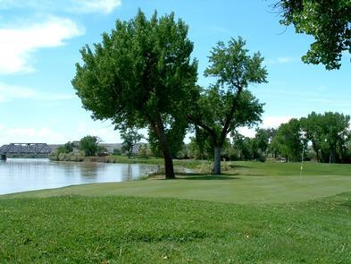 Green River State ParkThe campground, tees and fairways are lined with mature cottonwood trees.