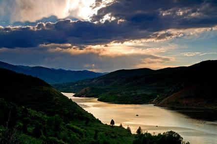 The Scenic Reservoir of Jordanelle State ParkJordanelle State Park is a water recreation mecca also positioned between three of Utah's premier mountain experiences: the Uinta Mountains, Park City and the Heber Valley.