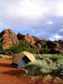 Camping at Snow CanyonSites are $20 a night for standard, or $25 for hookups. Pets are only allowed in the campground, on West Canyon Road and Whiptail Trail.