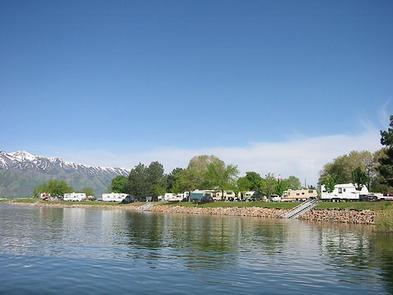RVs at Hyrum State ParkNo need to leave the comforts of home behind with partial hookups for RVs alongside the lake.