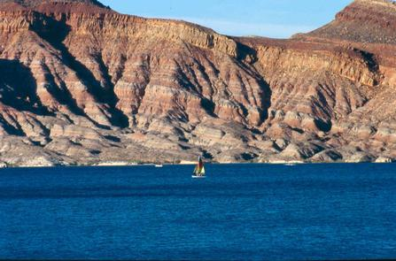 Blue Waters and Red RockSail the red-rock-lined Quail Creek Reservoir, which boasts some of the warmest waters in the state and a mild winter climate.