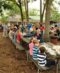 Glen Echo Picnic areaGlen Echo Park has a large picnic area with many tables, restrooms and a playground.
