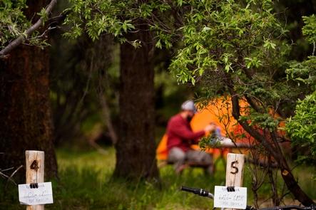Igloo Creek CampgroundCampsites in Igloo Creek have some brush screening between sites.