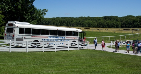 Eisenhower ShuttlebusVisitors arrive at the site via the park shuttle bus.