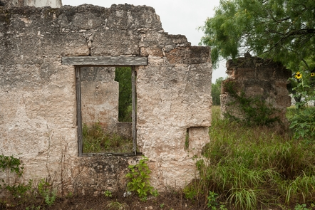 Rancho los Ojuelos, Webb County, TexasThis national historic district consists of 13 stone houses (several in ruins) constructed from hewn sandstone blocks, chinked and plastered, ranging from rectangular flat roofed Colonial style buildings to hip roofed two room structures. Post-1750s.