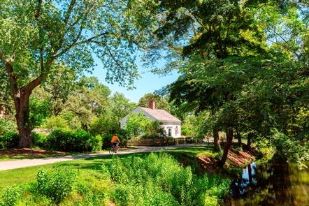Bike path at Kelly HouseThe Blackstone Bikeway at the Wilbur Kelly House