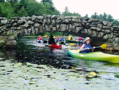 Paddle Club in Hopedale, MABlackstone Valley Paddle Club tours through the Hopedale Parklands