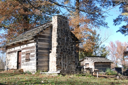 Lincoln Living Historical FarmReplica cabin at re-created 1820s homestead which is on four of the original 160 acres owned by Thomas LIncoln.