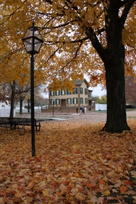 Lincoln Home in autumnView of Lincoln Home in autumn