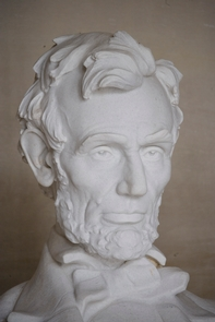 Lincoln Statue Close upA statue comes to life
